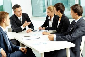 Các doanh nghiệp cần rất nhiều nguồn nhân sự có chất xám và chuyên nghiệp