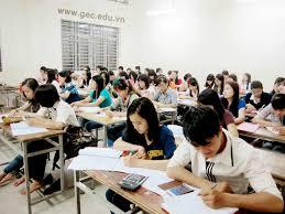 Học viên lựa chọn tham gia các khóa học ngắn hạn để bổ sung vào nghiệp vụ của mình.
